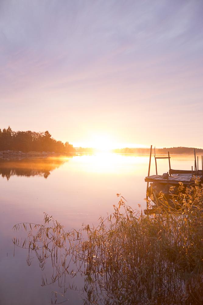 Auringonnousu saaristossa