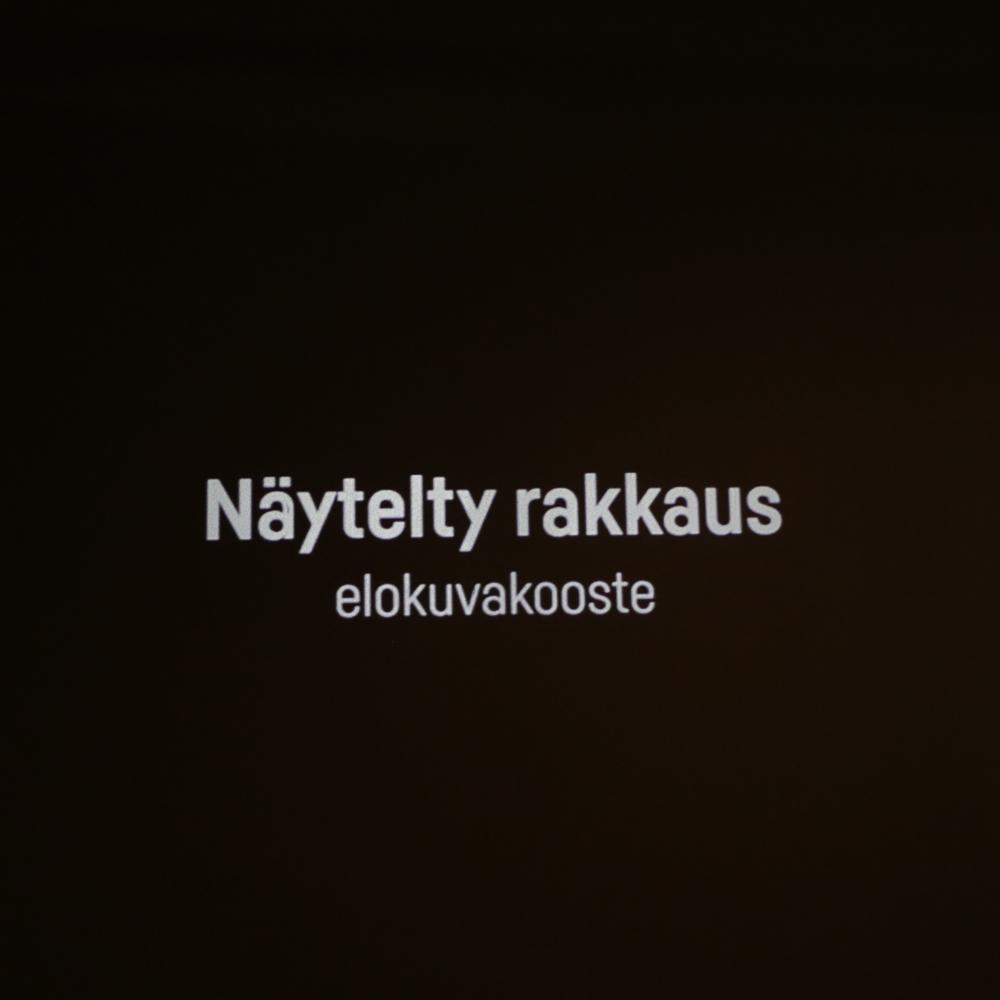 naytelty-rakkaus_2